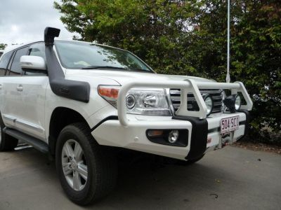 Toyota Land Cruiser 200,